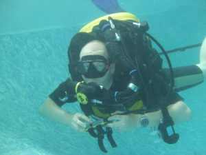 rebreather in pool